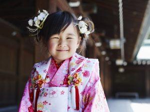 s-Kimono-girl-000023661435_Full